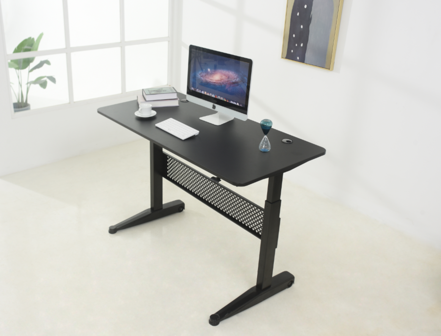 "<p><strong>ApexDesk</strong></p><p>amazon.com</p><p><strong>$309.51</strong></p><p><a href=""https://www.amazon.com/dp/B072K78F88?tag=syn-yahoo-20&ascsubtag=%5Bartid%7C10055.g.33471596%5Bsrc%7Cyahoo-us"" rel=""nofollow noopener"" target=""_blank"" data-ylk=""slk:Shop Now"" class=""link rapid-noclick-resp"">Shop Now</a></p><p>Available in four different sizes for any room you may have in mind, ApexDesk's easy lift-lower desk may be a solution to those who can't plug in. The desk can be pulled up to 48"" tall using a hand lever, gliding the desktop up and down at your touch. It may also be truly designed for those who have a dynamic workspace and need to move about, including those in art studios or a manufacturers' space. The installation only calls for a screwdriver and can be completed in less than 20 minutes. </p>"