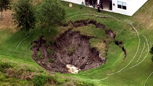 Sinkhole Horror: Family's Florida House About to Be Swallowed