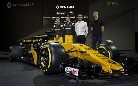 Britain Formula One - F1 - 2017 Renault Formula One Car Launch - The Lindley Hall, London - 21/2/17 Renault's Jolyon Palmer, Nico Hulkenberg, test driver Sergey Sirotkin and managing director Cyril Abiteboul during the launch Reuters / Alan Walter Livepic