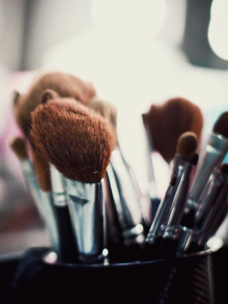 A Reddit user recently revealed their makeup brush drying hack, and it's so good we had to share with the world.