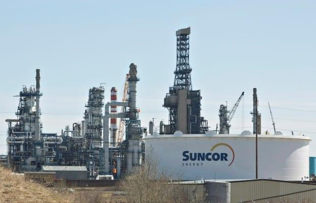 The release of hydrogen sulphide at Suncor's Edmonton Refinery took place in July 2018.  (Jason Franson/The Canadian Press - image credit)