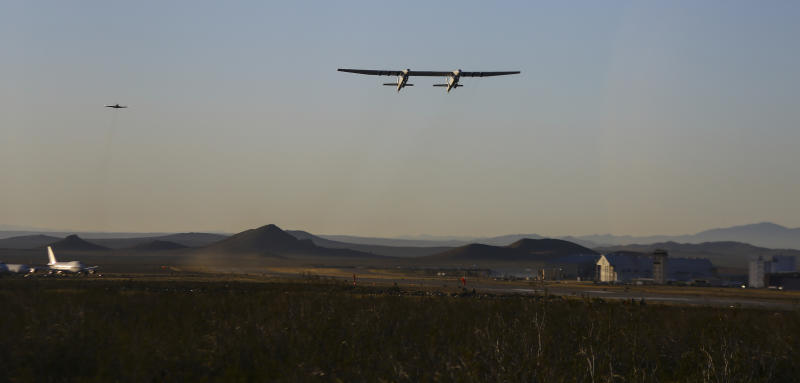The Latest: Stratolaunch CEO: Aircraft landed spectacularly