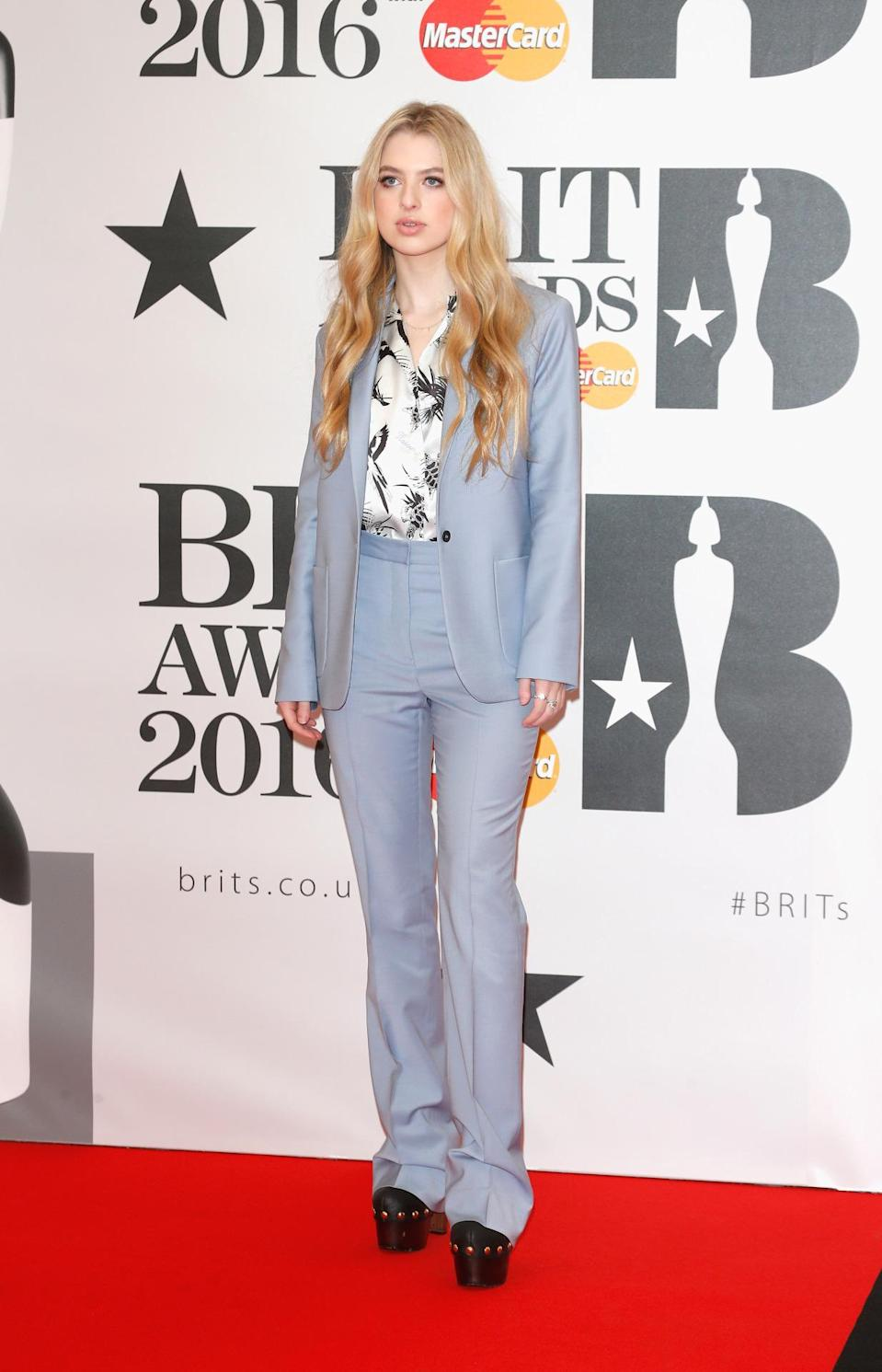 <p>How great is this pastel blue trouser suit? A superb look for Noel's 16-year-old daughter. <i>[Photo: Getty]</i></p>