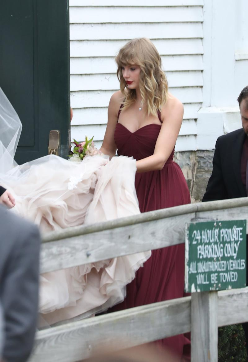 Taylor Swift as a bridesmaid for Abigail Anderson's wedding