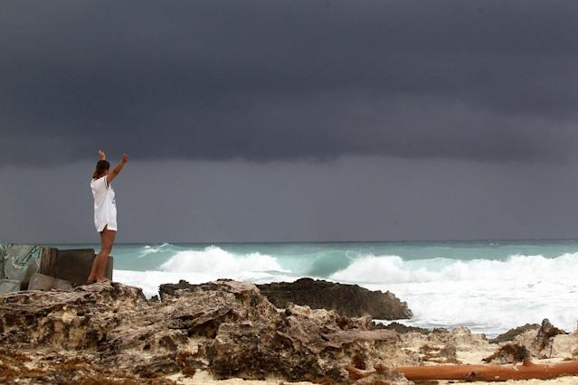 <p>General view of the weather conditions at the beach in Cancun, Mexico, June 20, 2017. According to the latest National Meteorological Services Tropical Cindy is bringing heavy storms for the regions of Campeche, Yucatan and Quintana Roo, states of the Mexican South-East. (Photo: Alonso Cupul/EPA/REX/Shutterstock) </p>