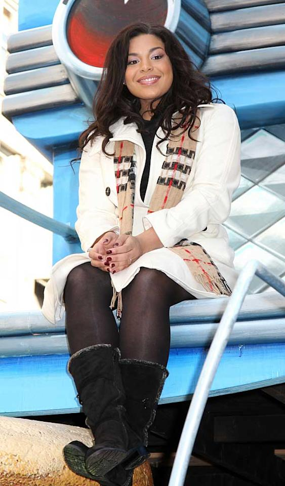 "Reigning ""American Idol"" winner Jordin Sparks took a breather from smiling and waving to take in the view from atop her float. Janet Meyer/<a href=""http://www.splashnewsonline.com/"" target=""new"">Splash News</a> - November 22, 2007"