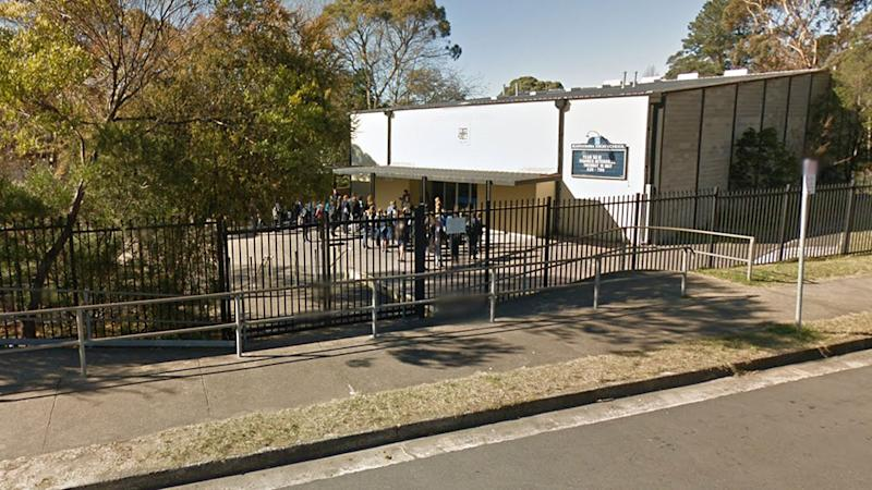 Katoomba High School, in the Blue Mountains region in NSW, has been closed due to a member of the community testing positive for the coronavirus.