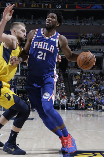 INDIANAPOLIS, IN - NOVEMBER 7: Joel Embiid #21 of the Philadelphia 76ers handles the ball against the Indiana Pacers on November 7, 2018 at Bankers Life Fieldhouse in Indianapolis, Indiana. (Photo by Ron Hoskins/NBAE via Getty Images)