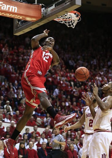 Ohio State's Sam Thompson (12) dunks during the first half of an NCAA college basketball game against Indiana, Tuesday, March 5, 2013, in Bloomington, Ind. (AP Photo/Darron Cummings)