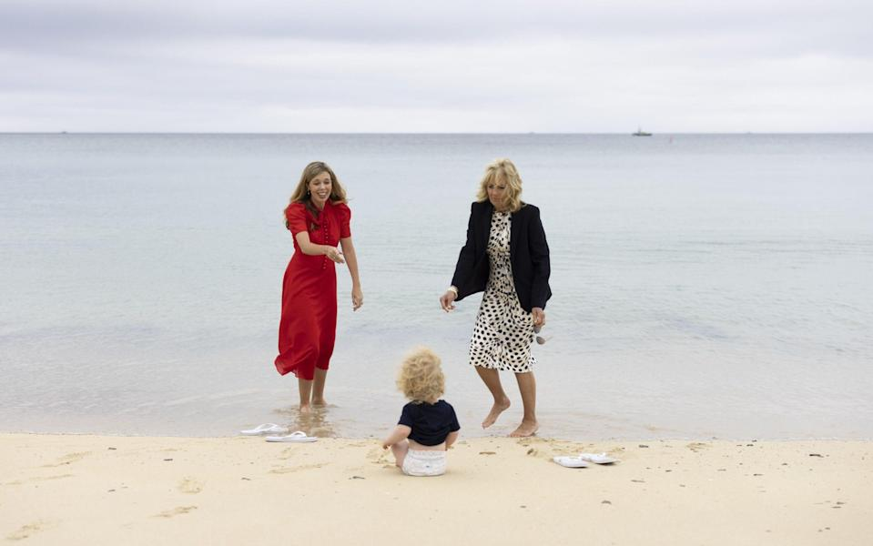 Carrie Johnson and Dr Jill Biden with Wilfred - Anadolu