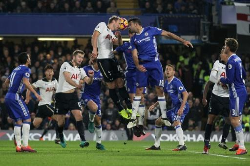 Chelsea down Spurs as City, Liverpool keep pace