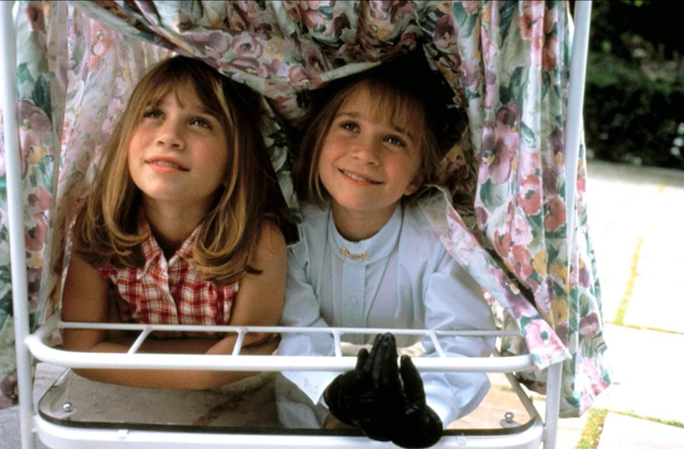 mary kate and ashley olsen in it takes two movie 1995