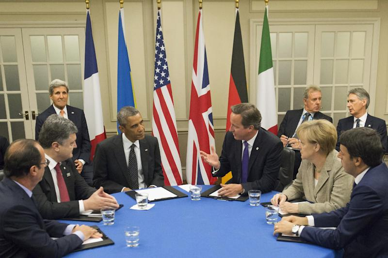 (From L-R) World leaders meet to discuss the Ukraine crisis at the 2014 NATO Summit in Newport, Wales, on September 4, 2014