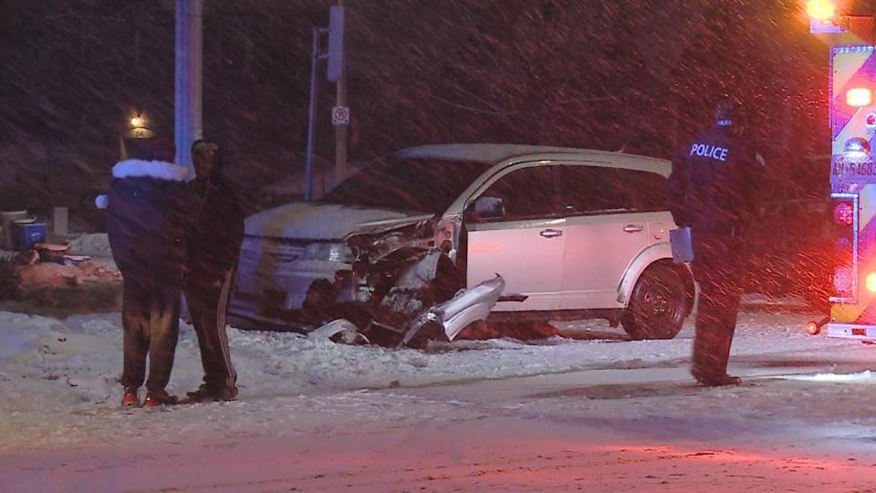 PHOTOS: Snow yields risky travel, accidents across southern Ontario