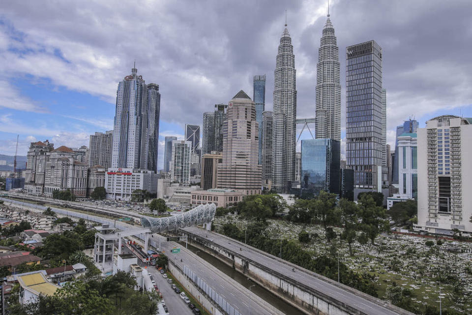 MTUC secretary-general J. Solomon lamented that Malaysia's economic standing is worse compared to neighbouring nations such as Singapore, Indonesia, Vietnam and the Philippines. — Picture by Hari Anggara