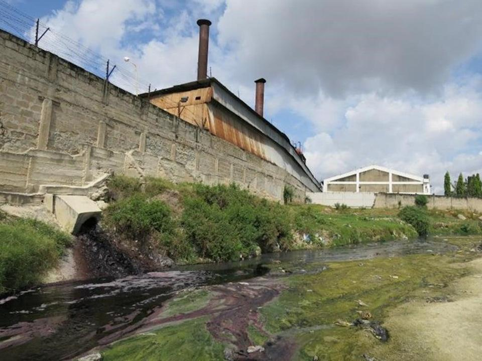 Textiles factory polluting Tanzania's Msimbazi river in Dar es Salaam (Water Witness)