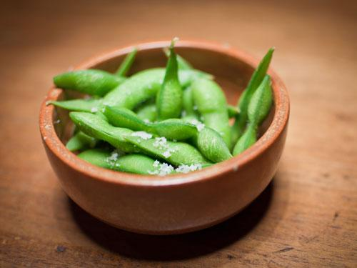 """<div class=""""caption-credit""""> Photo by: COURTESY OF GETTY IMAGES</div><div class=""""caption-title"""">Edamame</div>To turn back the clock, Los Angeles-based dermatologist Dr. Chiu recommends snacking on these Japanese soybeans. They contains high levels of isoflavones, a plant estrogen that improves skin firmness. As if we need yet another reason to go out to sushi!"""