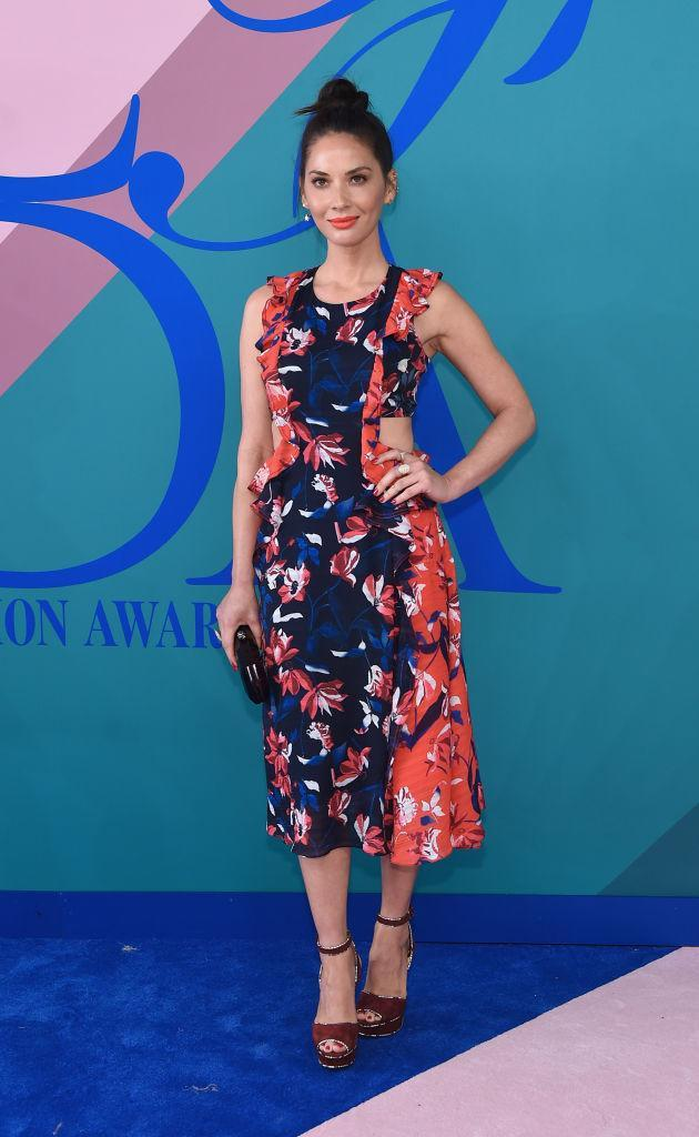 <p>The newly-single actress rocks a flawless summer cocktail look. (Photo: Getty Images) </p>