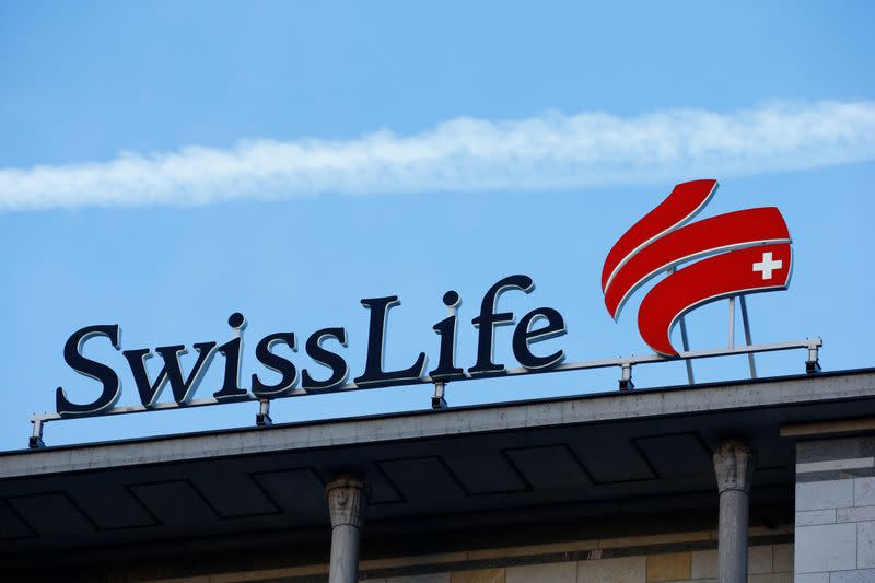 Swiss Life boosts dividend, starts share buyback