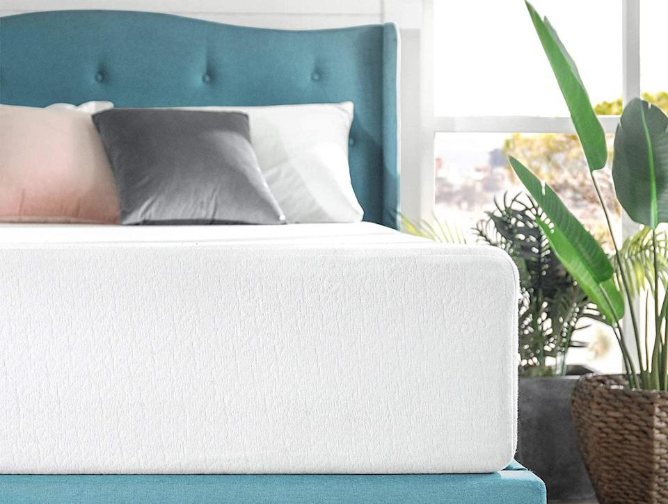 A dreamy snooze can be yours for just $189. (Photo: Amazon)