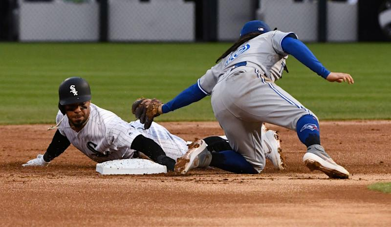 Guerrero Jr. homers to lead Blue Jays past White Sox 10-2