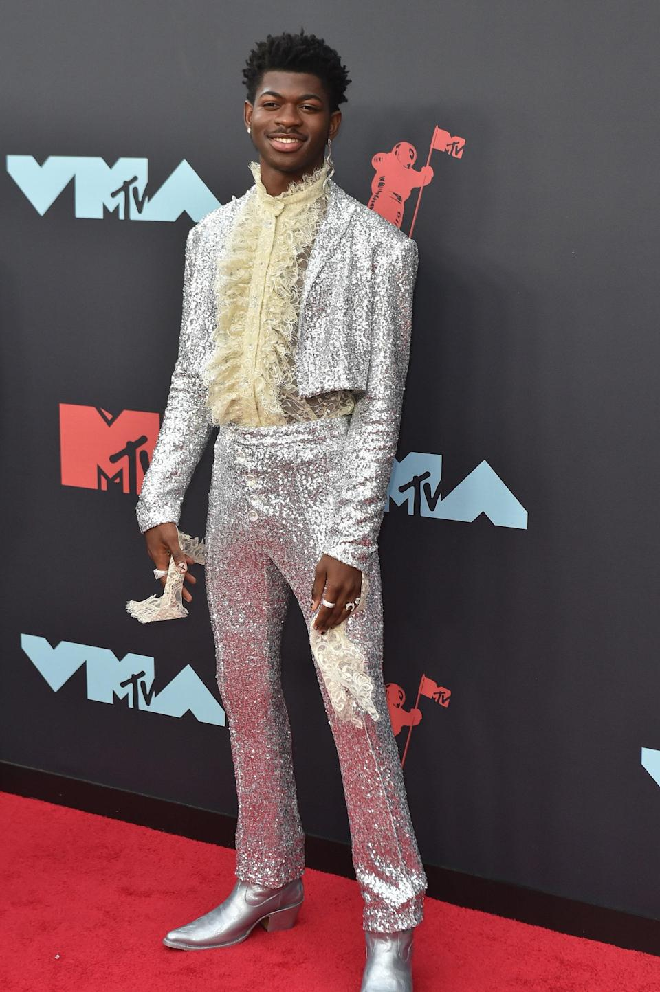 This sequin stunner for the VMAs paired perfectly with a ruffled top gave us <em>all</em> the Prince vibes.