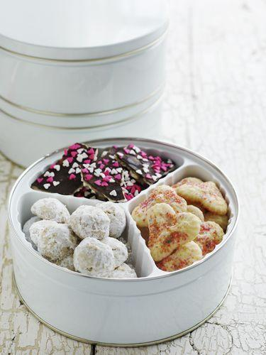 <p>Store crispy and chewy cookies in separate containers. If you combine them, the moisture from the chewy cookies will make the crispy ones lose their crunch.</p>