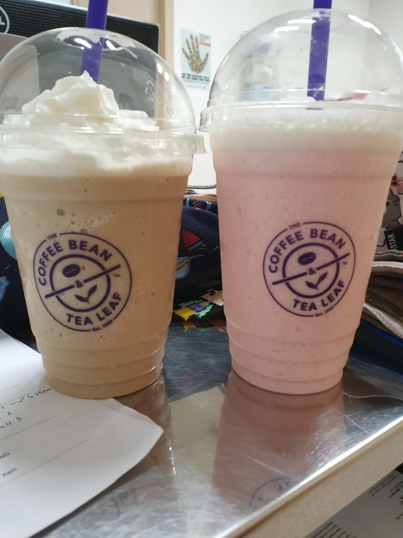 Nurhayati and her colleague each received a free coffee from The Coffee Bean & Tea Leaf. Photo from Nurhayati Yusof