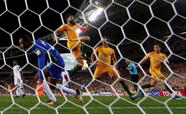 Soccer Football - 2018 World Cup Qualifications - Australia vs Honduras - ANZ Stadium, Sydney, Australia - November 15, 2017 Australia's Mile Jedinak celebrates scoring their third goal to complete his hat-trick REUTERS/David Gray