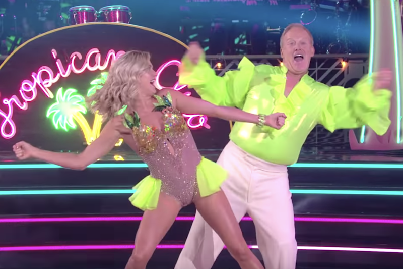 Sean Spicer and Lindsay Arnold on Dancing With The Stars: YouTube / Dancing With The Stars