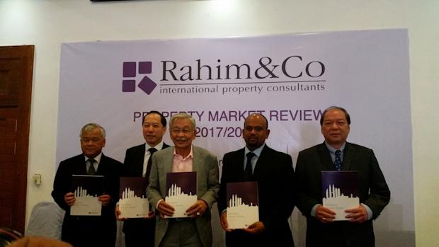 (From left) Property consultancy Rahim & Co's valuation services director Chee Kok Thim, Rahim & Co's real estate agency director Robert Ang, Rahim & Co's executive chairman Tan Sri Abdul Rahim Abdul Rahman, Rahim & Co's research director Sulaiman Akhmady Mohd Saheh, Rahim & Co's Petaling Jaya office's director Choy Yue Kwong. — Picture by Ida Lim