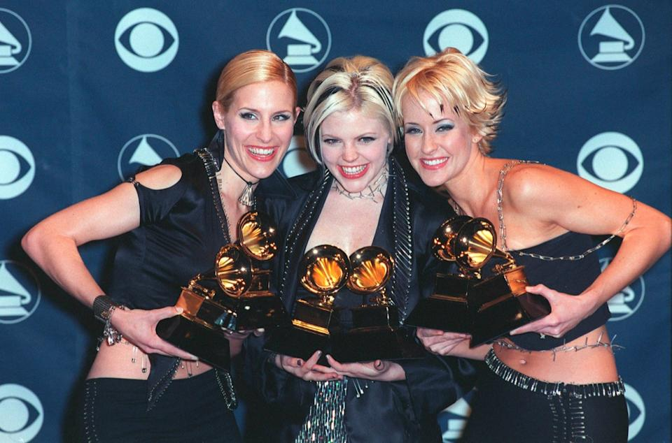 dixie chicks at the 41st annual grammy awards, old photos country stars