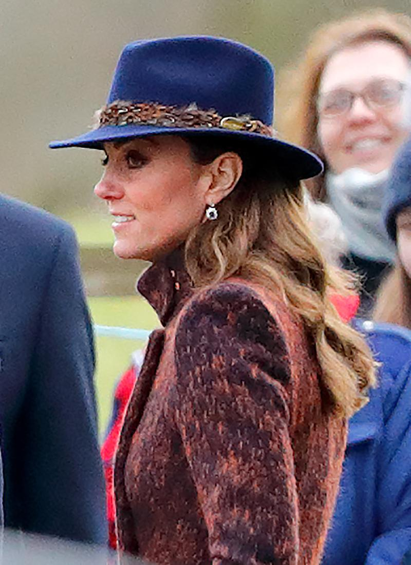 Kate Middleton wears the Hicks & Brown Suffolk Fedora in Navy (Credit: Getty)