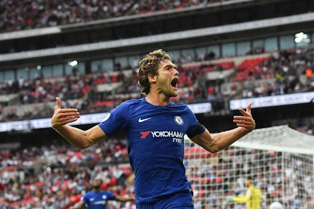 Chelsea's defender Marcos Alonso celebrates after he scored their second goal against Tottenham Hotspur on August 20, 2017 (AFP Photo/Ben STANSALL)