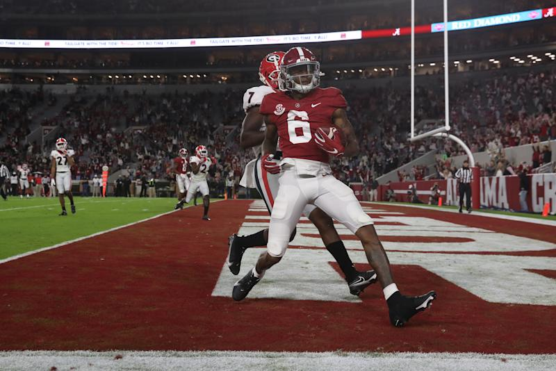 Alabama receiver DeVonta Smith catches a touchdown pass in the first half against the Georgia Bulldogs on Oct. 17. (UA Athletics/Collegiate Images/Getty Images)