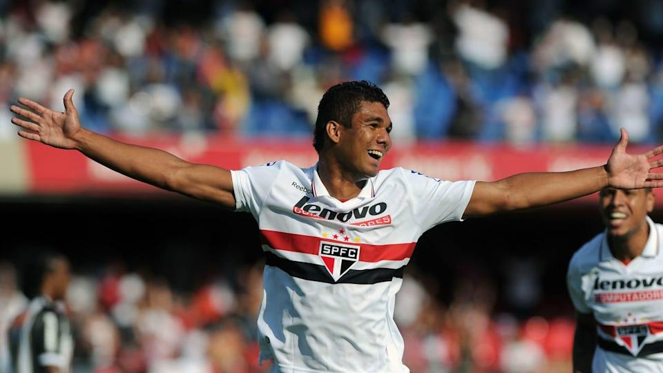 Casemiro (L), of Sao Paulo celebrates af | AFP/Getty Images