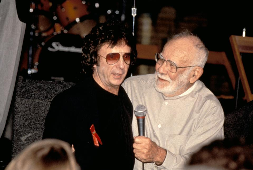 UNITED STATES - MAY 12: HOUSE OF BLUES Photo of Jerry WEXLER and Phil SPECTOR, with Jerry Wexler (Photo by Donna Santisi/Redferns)