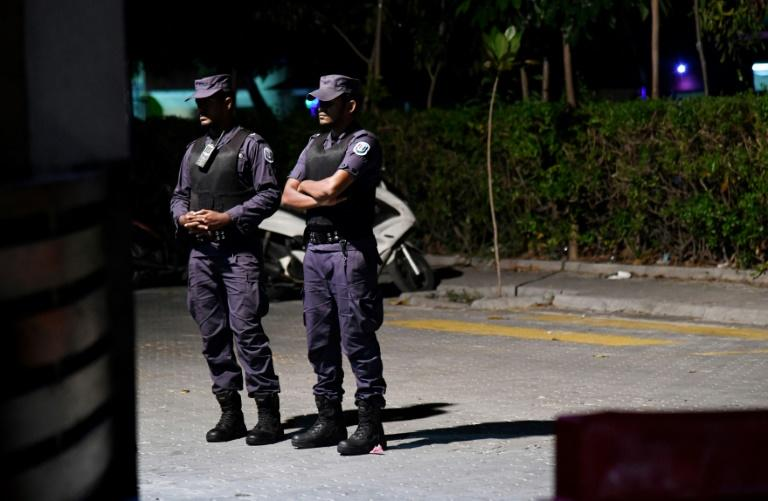 Security forces have barricated the office of the main opposition, the Maldivian Democratic Party