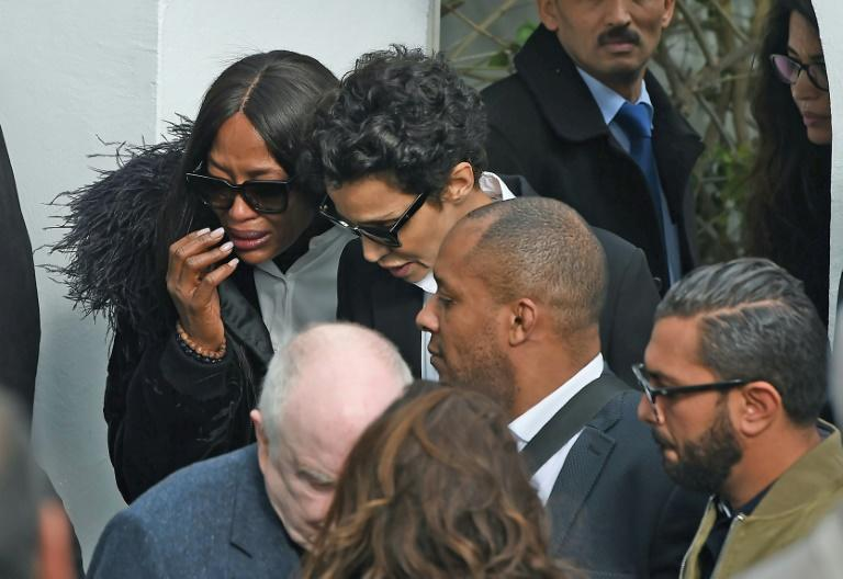 Naomi Campbell (L) at Azzedine Alaia's funeral in Sidi Bou Said on November 20, 2017