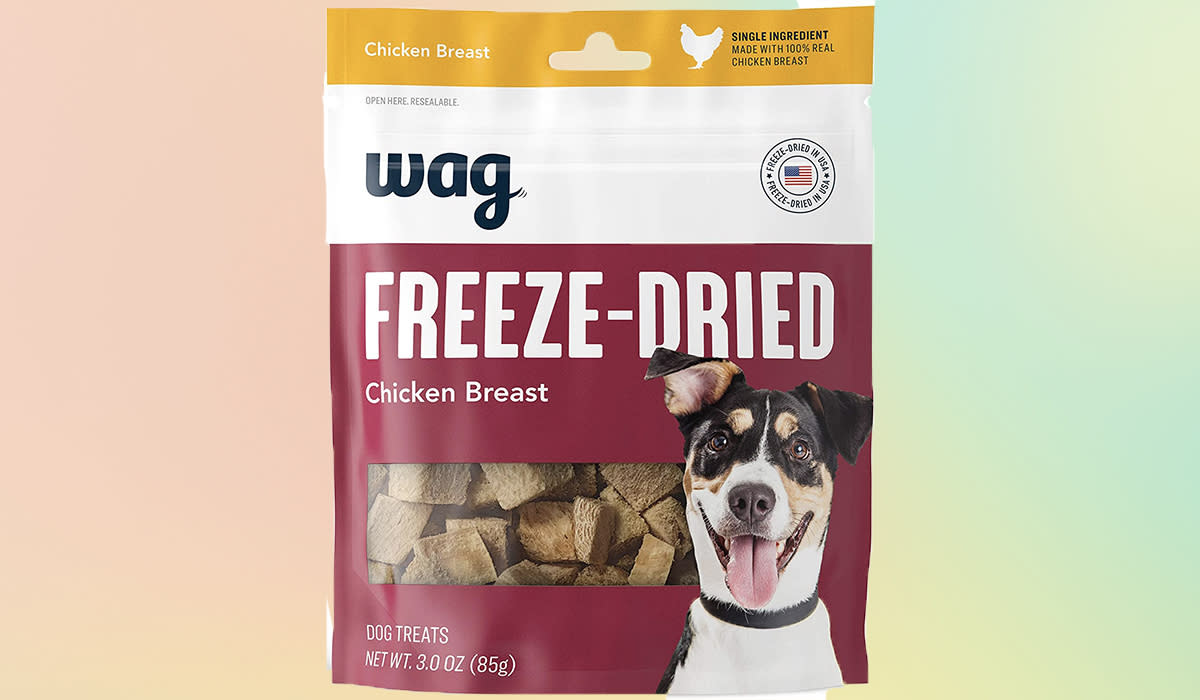 Most mass-produced dog treats are for the birds, but Wag's are pure poultry. Oh, and they're half-price. (Photo: Amazon)