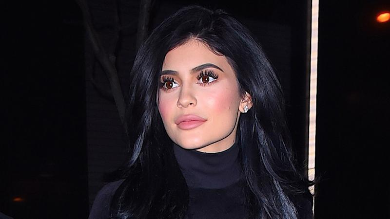 Kylie Jenner Bares Her Flat Stomach in New Pic With Daughter Stormi