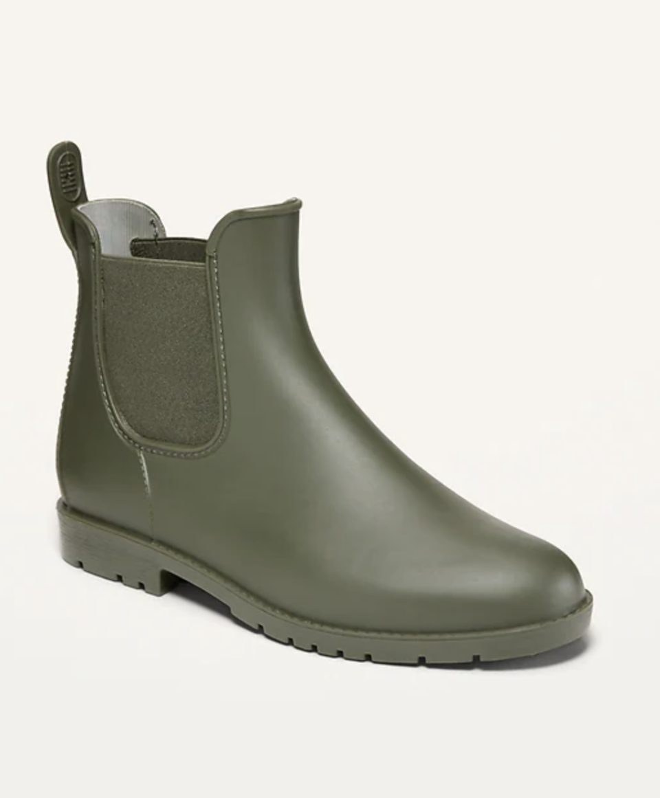 olive green short Old Navy Pull-On Rain Boots