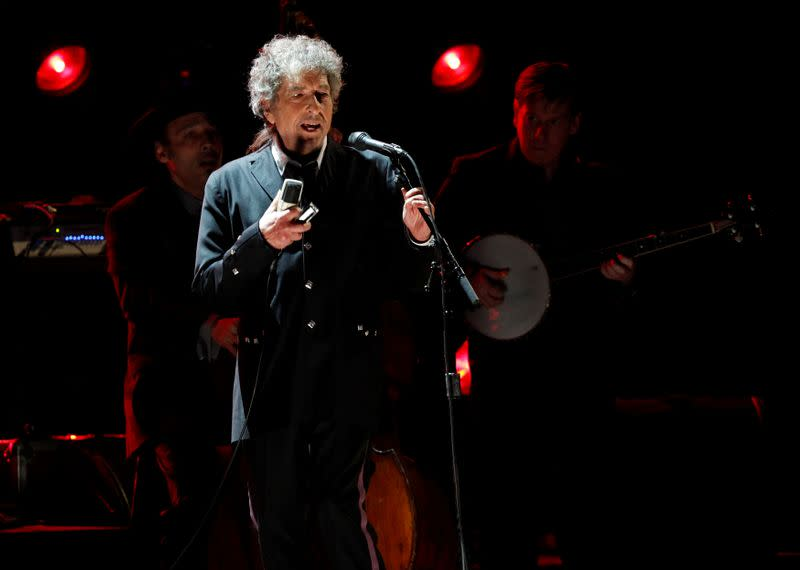 Bob Dylan announces first album of new music since 2012