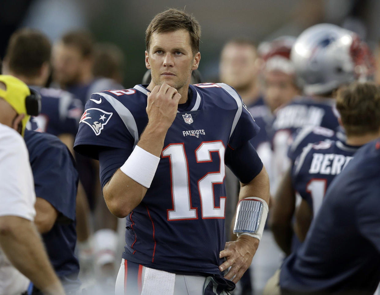 """<a class=""""link rapid-noclick-resp"""" href=""""/nfl/teams/nwe"""" data-ylk=""""slk:New England Patriots"""">New England Patriots</a> quarterback <a class=""""link rapid-noclick-resp"""" href=""""/nfl/players/5228/"""" data-ylk=""""slk:Tom Brady"""">Tom Brady</a> offered approval of the Colin Kaepernick Nike campaign. (AP)"""