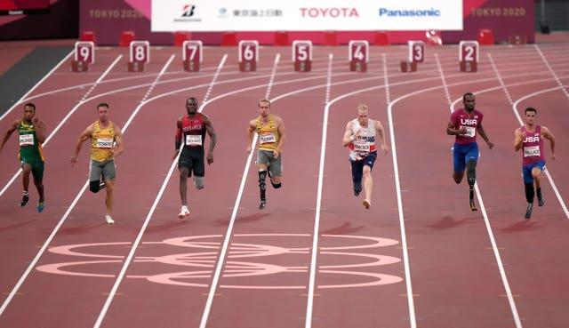 There was little to separate the front four in the T64 100m