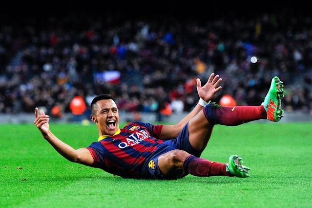 BARCELONA, SPAIN - JANUARY 05: Alexis Sanchez of FC Barcelona celebrates after scoring his team's fourth goal to complete his hat-trick during the La Liga match between FC Barcelona and Elche FC at Camp Nou on January 5, 2014 in Barcelona, Spain. (Photo by David Ramos/Getty Images)