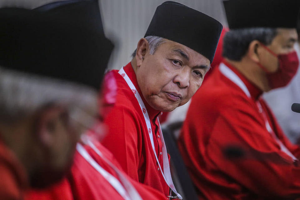 On Facebook, Datuk Seri Ahmad Zahid Hamidi urged the new government to be consistent with the standard operating procedures related to Covid-19 and fair in their enforcement. ― Picture by Hari Anggara