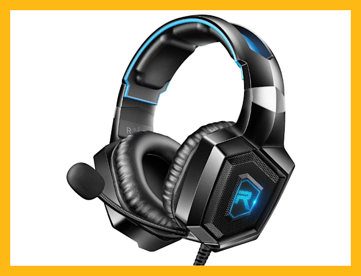 Only $21 for this 'Amazon's Choice' Runmus Gaming Headset! (Photo: Amazon)