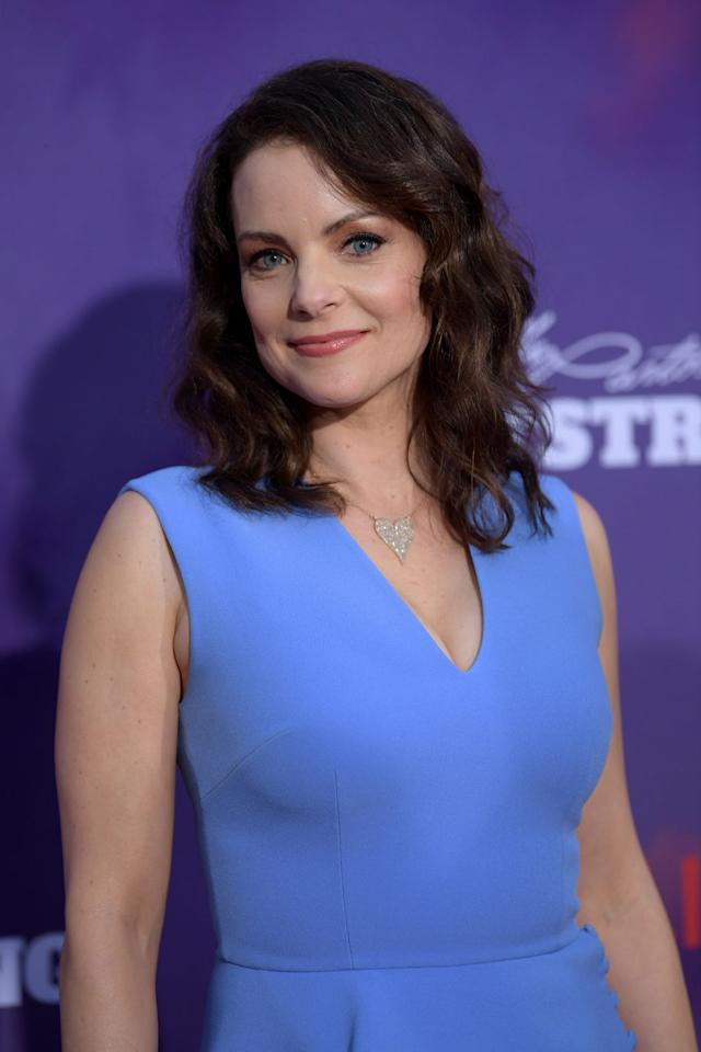 """<p>On the other side of the """"Jolene"""" episode is Kimberly Williams-Paisley. Best known for her roles in <em>Father of the Bride</em> and <em>According to Jim</em> (and for marrying famous country music man Brad Paisley), Kimberly plays Emily, a wife and mother who, according to <a href=""""https://www.countryliving.com/life/entertainment/a25713049/dolly-parton-jolene-netflix-cast-kimberly-williams-paisley-julianne-hough/"""" target=""""_blank""""><em>Country Living</em></a>, strikes up an expected friendship with Jolene.</p>"""