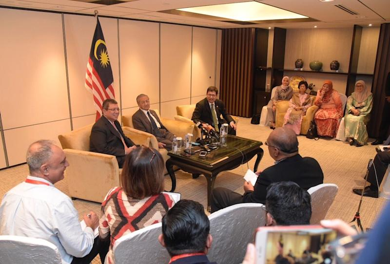 Prime Minister Tun Dr Mahathir at a press conference for Malaysian media after the conclusion of the 33rd Asean Summit in Singapore November 15, 2018. — Picture courtesy of Department of Information Malaysia